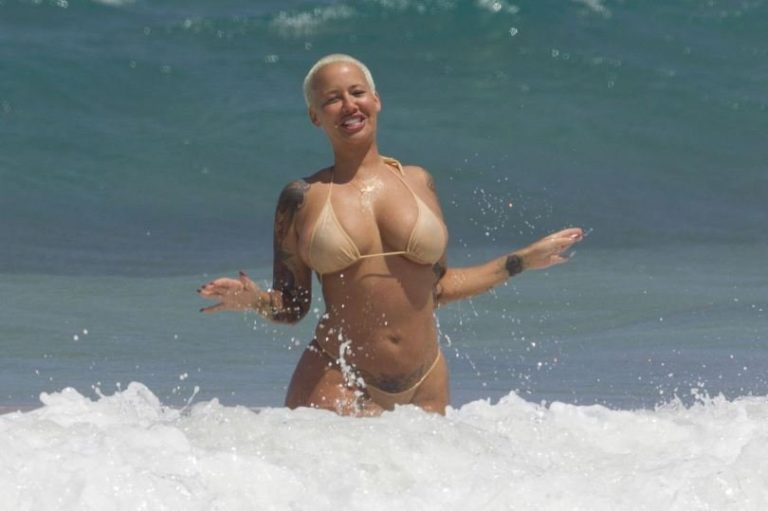 Amber Rose sexy nude pic